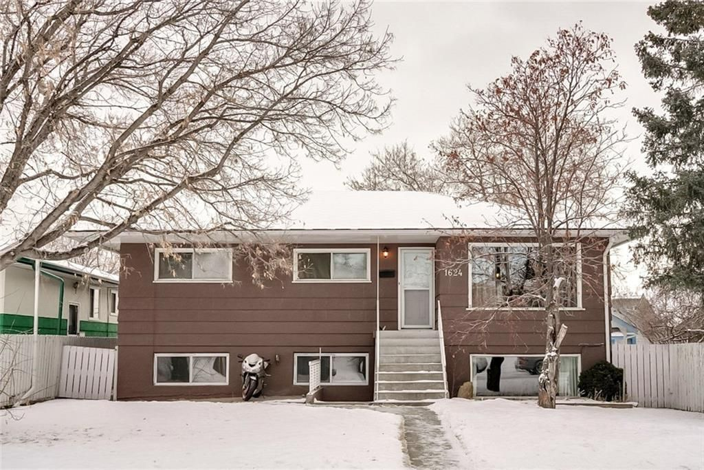 Main Photo: 1624 40 Street SW in Calgary: Rosscarrock Detached for sale : MLS®# C4282332