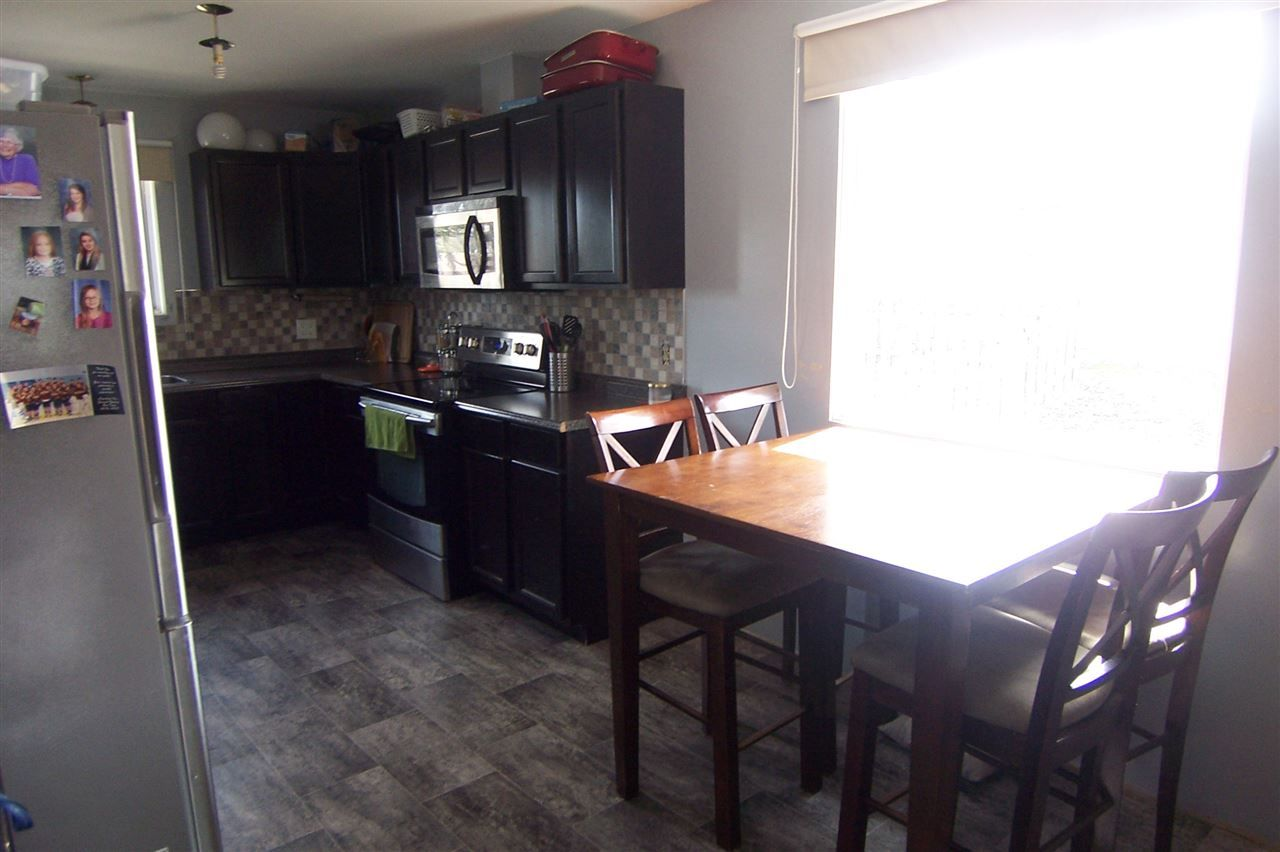Photo 7: Photos: 1386 LEWIS Drive in Quesnel: Quesnel - Town House for sale (Quesnel (Zone 28))  : MLS®# R2163703