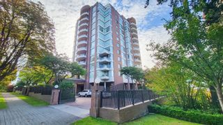 """Main Photo: 804 2350 W 39TH Avenue in Vancouver: Kerrisdale Condo for sale in """"ST. MORITZ"""" (Vancouver West)  : MLS®# R2613742"""