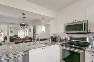 """Photo 3: 1645 MCLEAN Drive in Vancouver: Grandview VE Townhouse for sale in """"COBB HILL"""" (Vancouver East)  : MLS®# R2271073"""
