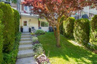 """Photo 1: 4 10000 VALLEY Drive in Squamish: Valleycliffe Townhouse for sale in """"VALLEYVIEW PLACE"""" : MLS®# R2590595"""