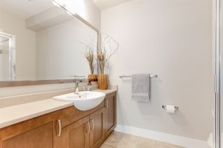 """Photo 17: 32 15454 32 Avenue in Surrey: Grandview Surrey Townhouse for sale in """"Nuvo"""" (South Surrey White Rock)  : MLS®# R2454547"""