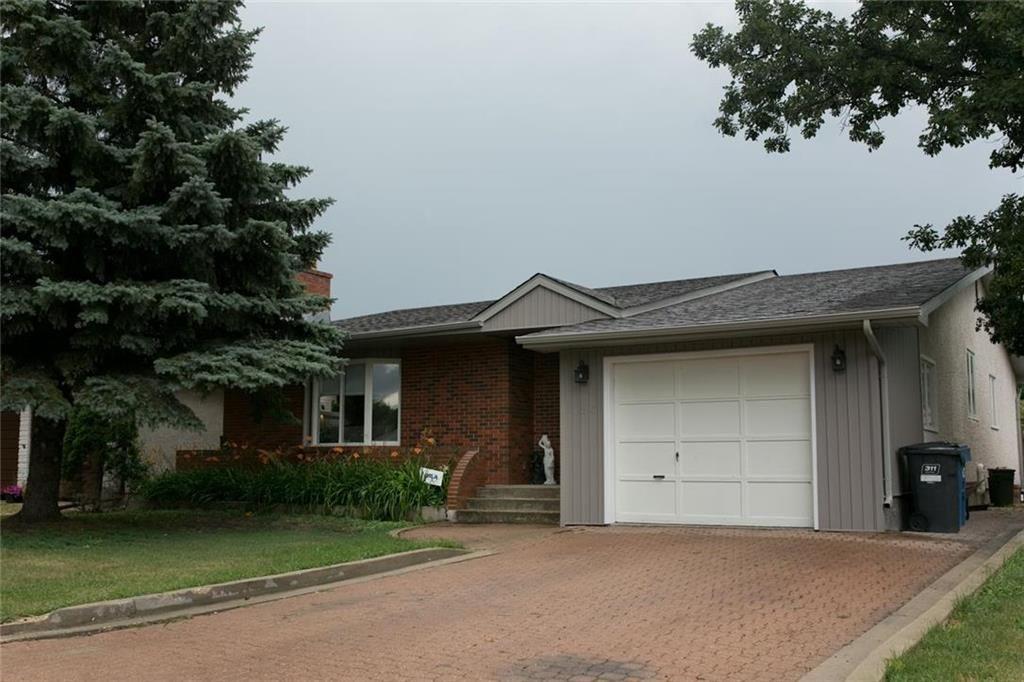 Main Photo: 126 Vista Avenue in Winnipeg: River Park South Residential for sale (2E)  : MLS®# 202100576
