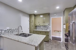 Photo 3: EL CAJON House for sale : 3 bedrooms : 546 Burnham St.