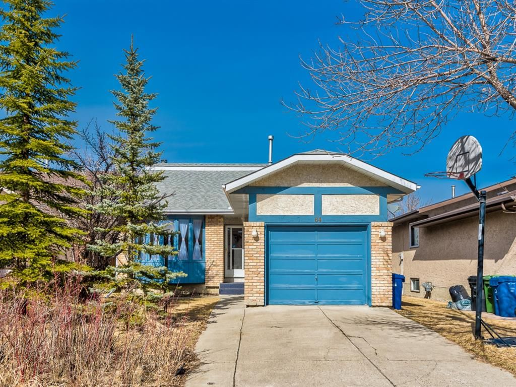 Main Photo: 64 Sanderling Hill in Calgary: Sandstone Valley Detached for sale : MLS®# A1090715