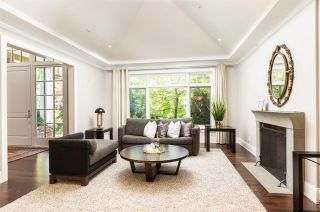 Photo 2: 6248 BALACLAVA Street in Vancouver: Kerrisdale House for sale (Vancouver West)  : MLS®# R2487436