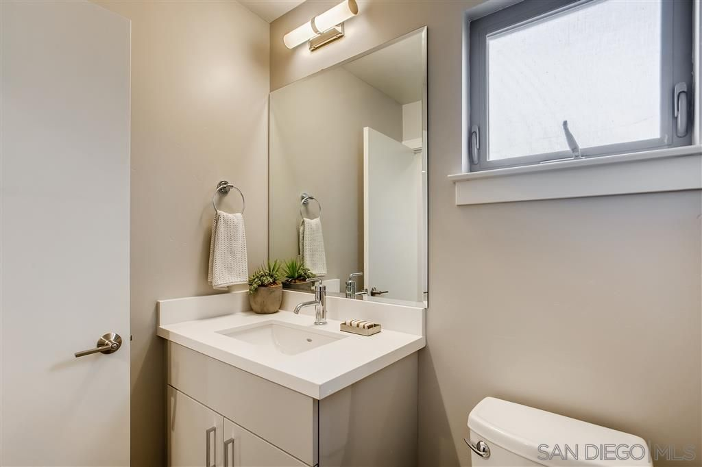 Photo 10: Photos: POINT LOMA Townhouse for sale : 2 bedrooms : 3030 Jarvis #7 in San Diego