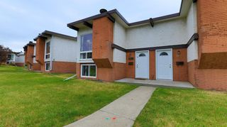 Main Photo: 426 Pinemont Gate NE in Calgary: Pineridge Row/Townhouse for sale : MLS®# A1130908
