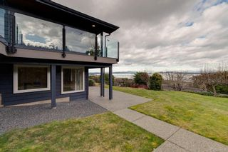 Photo 8: 8735 Pender Park Dr in North Saanich: NS Dean Park House for sale : MLS®# 868899