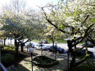 Photo 10: 210 1422 E 3RD Avenue in Vancouver: Grandview VE Condo for sale (Vancouver East)  : MLS®# V969197