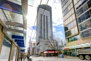"""Photo 1: 2401 833 SEYMOUR Street in Vancouver: Downtown VW Condo for sale in """"CAPITAL RESIDENCES"""" (Vancouver West)  : MLS®# R2544420"""