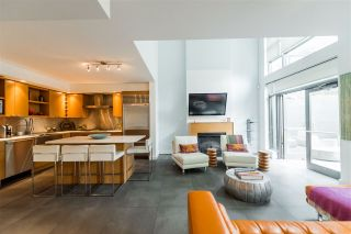 """Photo 1: 102 1168 RICHARDS Street in Vancouver: Yaletown Townhouse for sale in """"PARK LOFTS"""" (Vancouver West)  : MLS®# R2202304"""