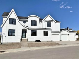 Photo 2: 11 Rockford Park NW in Calgary: Rocky Ridge Detached for sale : MLS®# A1154593