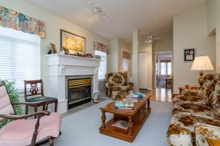 Photo 2: 23 8555 209 STREET in Langley: Walnut Grove Townhouse for sale : MLS®# R2065792