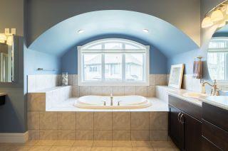Photo 33: 1085 ARMITAGE Crescent in Edmonton: Zone 56 House for sale : MLS®# E4244474
