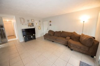 Photo 2: CLAIREMONT House for sale : 3 bedrooms : 5021 Glasgow Dr in San Diego