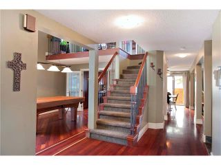 Photo 2: 6527 COACH HILL Road SW in Calgary: Coach Hill House for sale : MLS®# C4073200