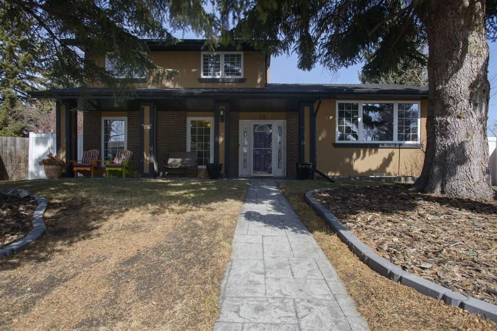 Main Photo: 28 Parkwood Rise SE in Calgary: Parkland Detached for sale : MLS®# A1116542