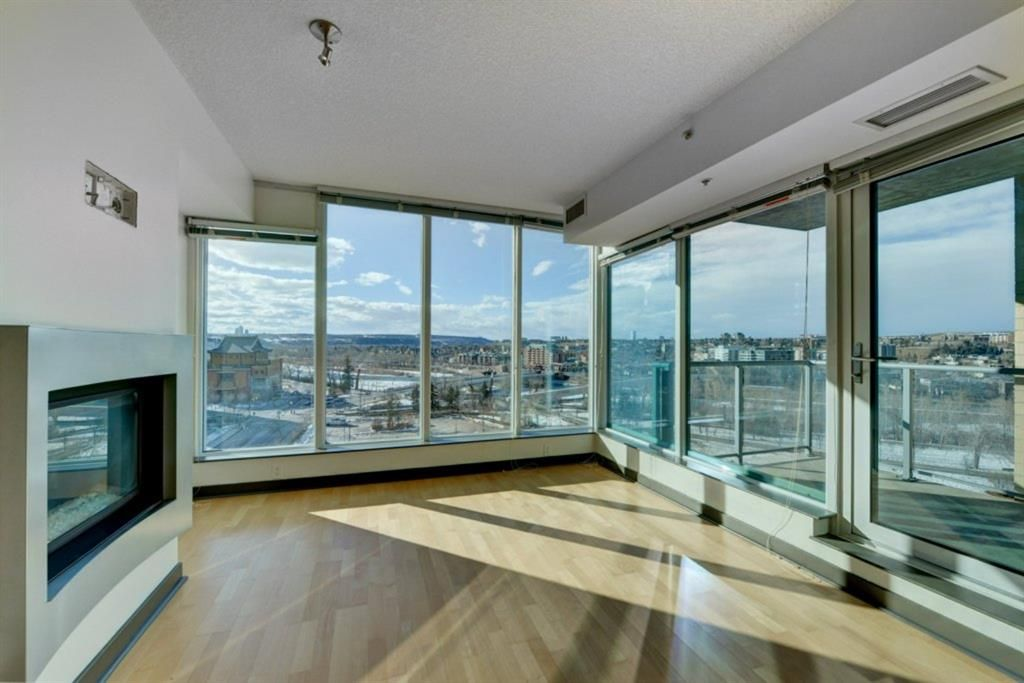 Main Photo: 902 888 4 Avenue SW in Calgary: Downtown Commercial Core Apartment for sale : MLS®# A1078315