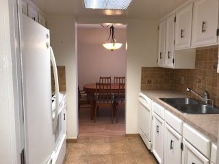 "Photo 8: 502 1480 FOSTER Street: White Rock Condo for sale in ""White Rock Square I"" (South Surrey White Rock)  : MLS®# R2442342"