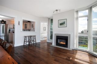 """Photo 7: 904 140 E 14TH Street in North Vancouver: Central Lonsdale Condo for sale in """"Springhill Place"""" : MLS®# R2452707"""