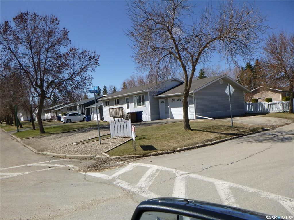 Main Photo: 1407 95th Street in Tisdale: Residential for sale : MLS®# SK842997