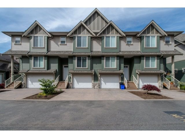 "Main Photo: 59 6498 SOUTHDOWNE Place in Sardis: Sardis East Vedder Rd Townhouse for sale in ""Village Green"" : MLS®# R2059470"