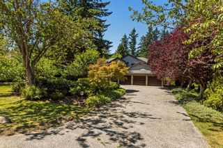 """Photo 1: 2683 NORTHCREST Drive in Surrey: Sunnyside Park Surrey House for sale in """"Woodshire Park"""" (South Surrey White Rock)  : MLS®# R2185453"""