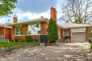 Photo 2: 8 Dumbarton Road in Toronto: Stonegate-Queensway House (Bungalow) for sale (Toronto W07)  : MLS®# W5232182