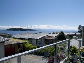 """Photo 35: 6498 WILDFLOWER Place in Sechelt: Sechelt District Townhouse for sale in """"Wakefield Beach - Second Wave"""" (Sunshine Coast)  : MLS®# R2589812"""