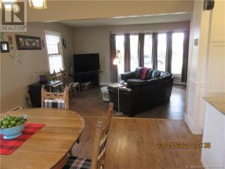 Photo 5: 202 5 Avenue NE in Three Hills: House for sale : MLS®# A1108239