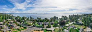 Photo 2: 13976 MARINE Drive: White Rock House for sale (South Surrey White Rock)  : MLS®# R2552761