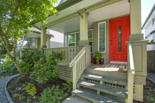 """Photo 3: 18468 66A Avenue in Surrey: Cloverdale BC House for sale in """"HEARTLAND"""" (Cloverdale)  : MLS®# R2476706"""
