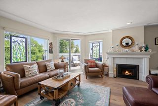 """Photo 3: 828 PARKER Street: White Rock House for sale in """"EAST BEACH"""" (South Surrey White Rock)  : MLS®# R2607727"""
