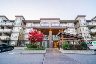 "Main Photo: 104 30515 CARDINAL Avenue in Abbotsford: Abbotsford West Condo for sale in ""Tamarind Westside"" : MLS®# R2543095"