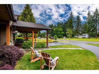 Photo 3: 24107 52A Avenue in Langley: Salmon River House for sale : MLS®# R2593609