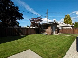 Photo 10: 1391 WHITEWOOD PL in North Vancouver: Norgate House for sale : MLS®# V848028