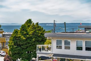"""Photo 35: 15580 COLUMBIA Avenue: White Rock House for sale in """"White Rock"""" (South Surrey White Rock)  : MLS®# R2599459"""
