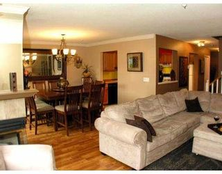 """Photo 3: 49 323 GOVERNORS Court in New Westminster: Fraserview NW Townhouse for sale in """"GOVERNORS COURT"""" : MLS®# V851506"""
