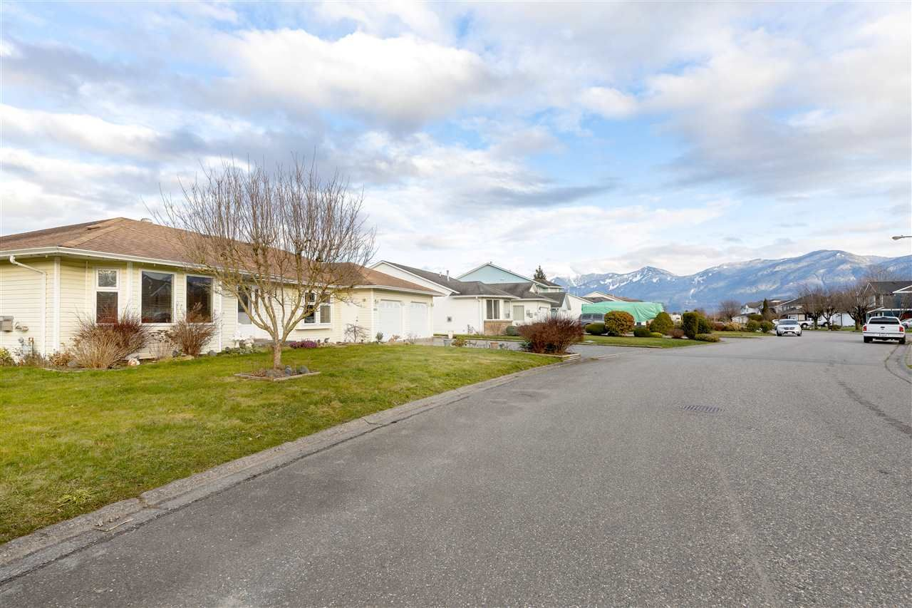 Main Photo: 46605 RAMONA Drive in Chilliwack: Chilliwack E Young-Yale House for sale : MLS®# R2533392
