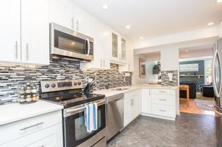 """Photo 1: 802 555 W 28TH Street in North Vancouver: Upper Lonsdale Townhouse for sale in """"CEDARBROOKE VILLAGE"""" : MLS®# R2579091"""