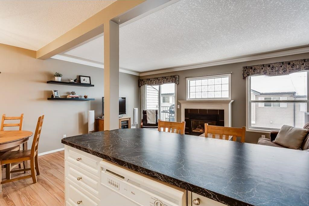 Photo 9: Photos: 137 MILLVIEW Square SW in Calgary: Millrise House for sale : MLS®# C4145951