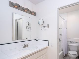 Photo 16: PACIFIC BEACH Condo for sale : 2 bedrooms : 1235 Parker Place #1F in San Diego
