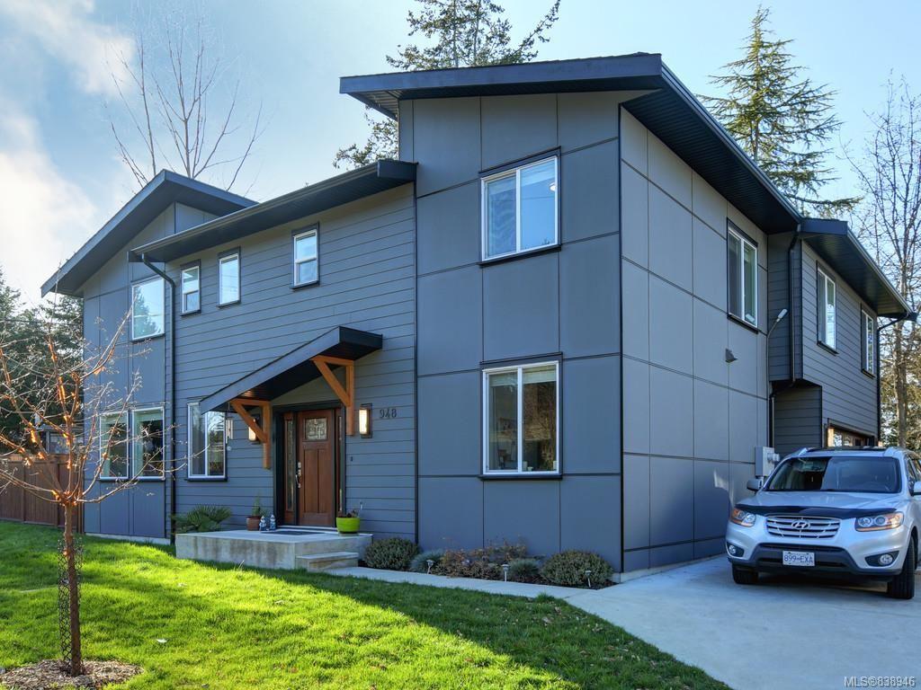 Main Photo: 948 Aral Rd in Esquimalt: Es Kinsmen Park House for sale : MLS®# 838946