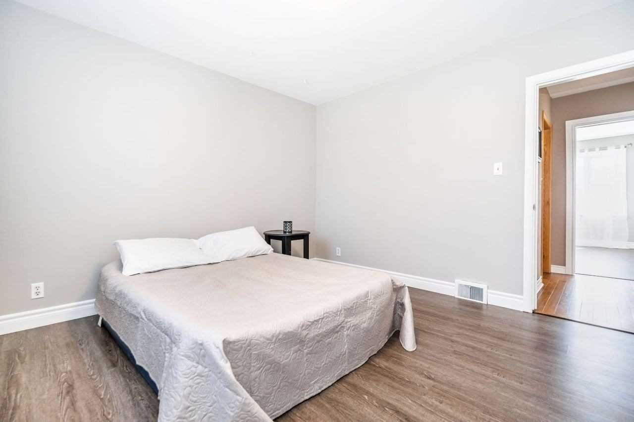 Photo 9: Photos: 26 East Lawn Street in Oshawa: Donevan House (Bungalow) for sale : MLS®# E4818284