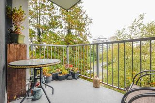 "Photo 15: 401 2165 W 40TH Avenue in Vancouver: Kerrisdale Condo for sale in ""THE VERONICA"" (Vancouver West)  : MLS®# R2117072"