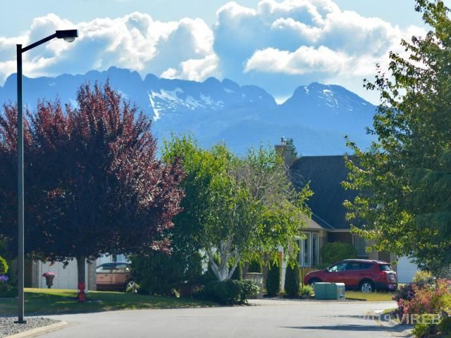 Photo 3: Photos: 208 LODGEPOLE DRIVE in PARKSVILLE: Z5 Parksville House for sale (Zone 5 - Parksville/Qualicum)  : MLS®# 457660