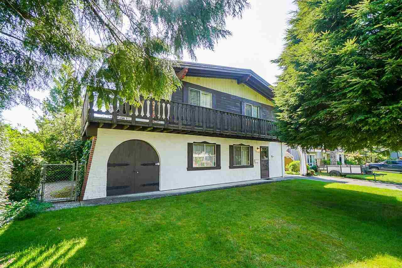 Main Photo: 7550 ROBIN Crescent in Mission: Mission BC House for sale : MLS®# R2585800