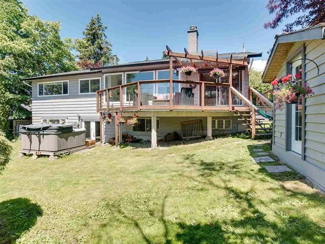 Photo 3: Photos: 10690 Westside Drive in Delta: House for sale (Delta, BC)  : MLS®# R2466412