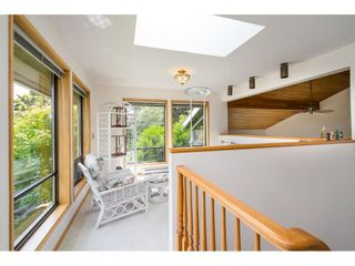 Photo 15: 5319 SOUTHRIDGE Place in Surrey: Panorama Ridge House for sale : MLS®# R2612903